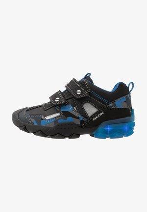 BULLER BOY - Zapatos con cierre adhesivo - black/blue