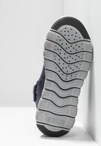 Geox - XUNDAY BOY - Zapatillas altas - navy/black - 5