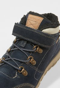 Geox - XUNDAY BOY - Lace-up ankle boots - navy/beige - 2