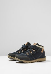 Geox - XUNDAY BOY - Lace-up ankle boots - navy/beige - 3