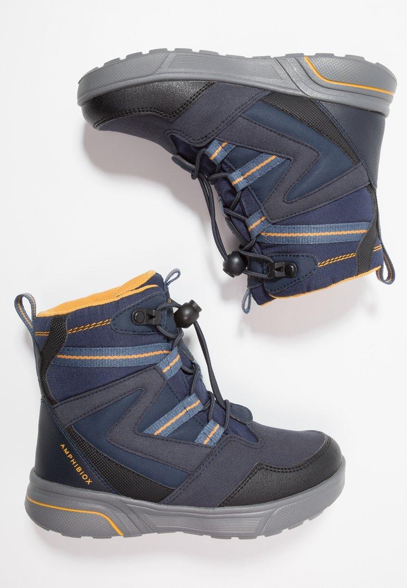 Geox - SVEGGEN BOY ABX - Botines con cordones - navy/yellow