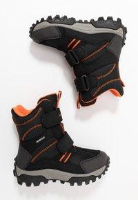 Geox - HIMALAYA BOY WPF - Snowboot/Winterstiefel - navy/orange - 0