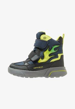 SVEGGEN BOY - Zimní obuv - navy/lime green