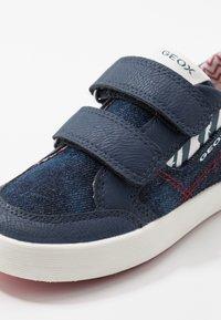 Geox - KILWI - Zapatillas - blue/red - 2