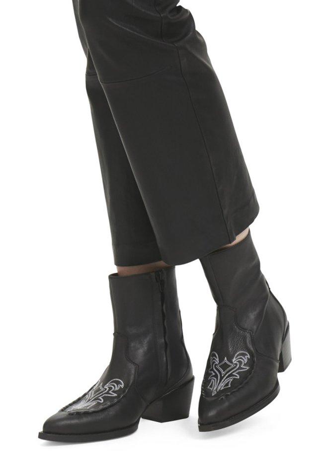 EMELIA - Cowboy/biker ankle boot - black