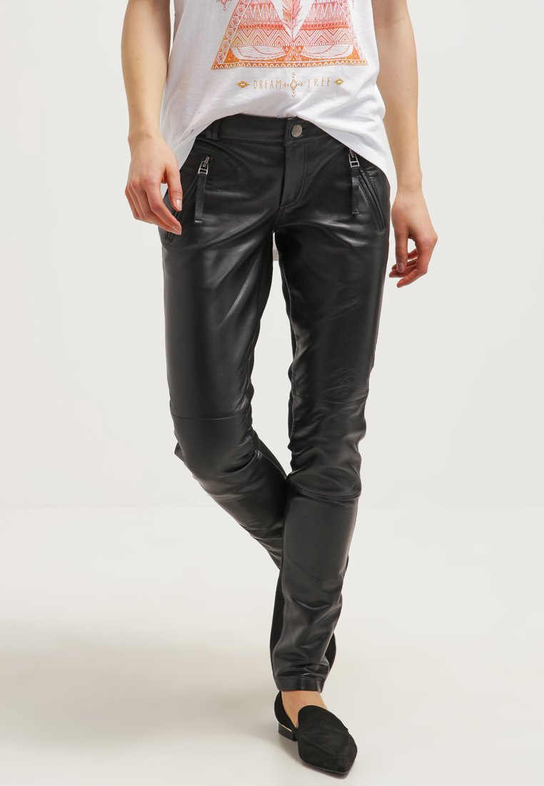 Gestuz - ADA - Leather trousers - black