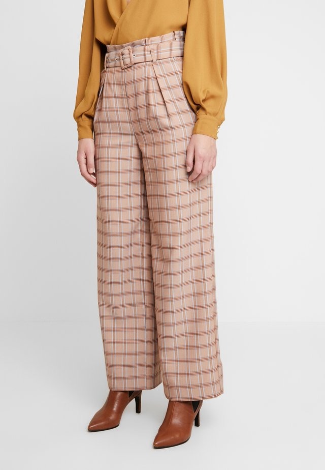 JIN PANTS - Kangashousut - light brown