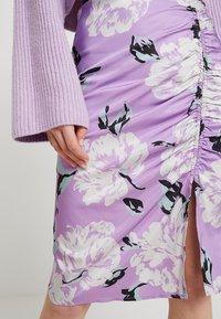 Gestuz - GWIN SKIRT - Blyantnederdel / pencil skirts - purple - 4