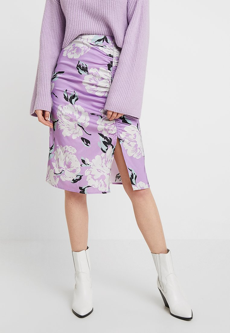 Gestuz - GWIN SKIRT - Pencil skirt - purple
