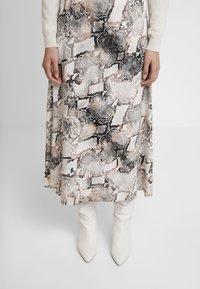Gestuz - BARAN SKIRT - A-line skirt - light grey/black - 4