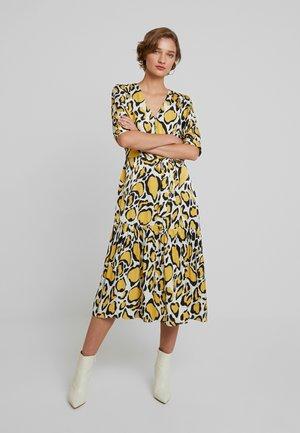 IRINA LONG DRESS - Vestido camisero - yellow