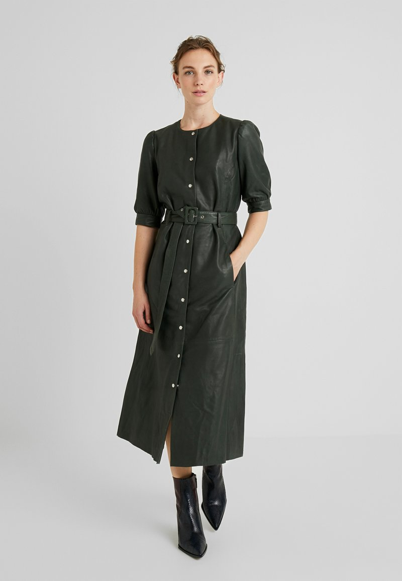 Gestuz - SURI DRESS - Blousejurk - dark green