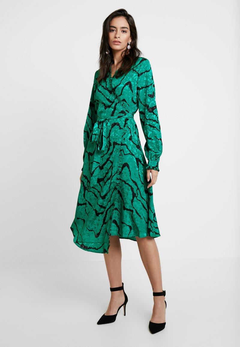Gestuz - AYLIN WRAP DRESS - Freizeitkleid - green