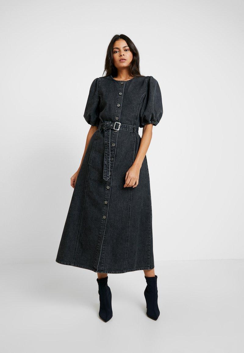 Gestuz - SIENTA DRESS - Denim dress - vintage black
