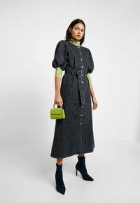 Gestuz - SIENTA DRESS - Denim dress - vintage black - 2