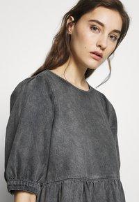 Gestuz - SAMMIGZ DRESS  - Dongerikjole - washed black - 3