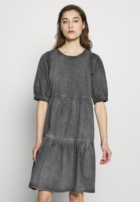 Gestuz - SAMMIGZ DRESS  - Dongerikjole - washed black - 0