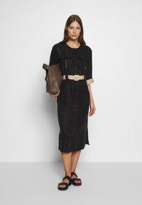 Gestuz - LORAH DRESS - Košilové šaty - black - 1