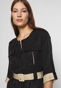 Gestuz - LORAH DRESS - Košilové šaty - black - 3