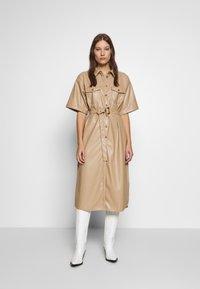 Gestuz - EVIEGZ DRESS - Blusenkleid - safari - 0