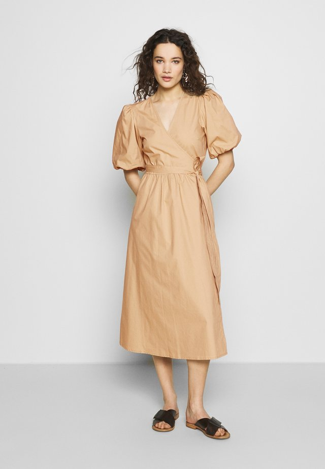 BIBIGZ WRAP DRESS - Freizeitkleid - safari