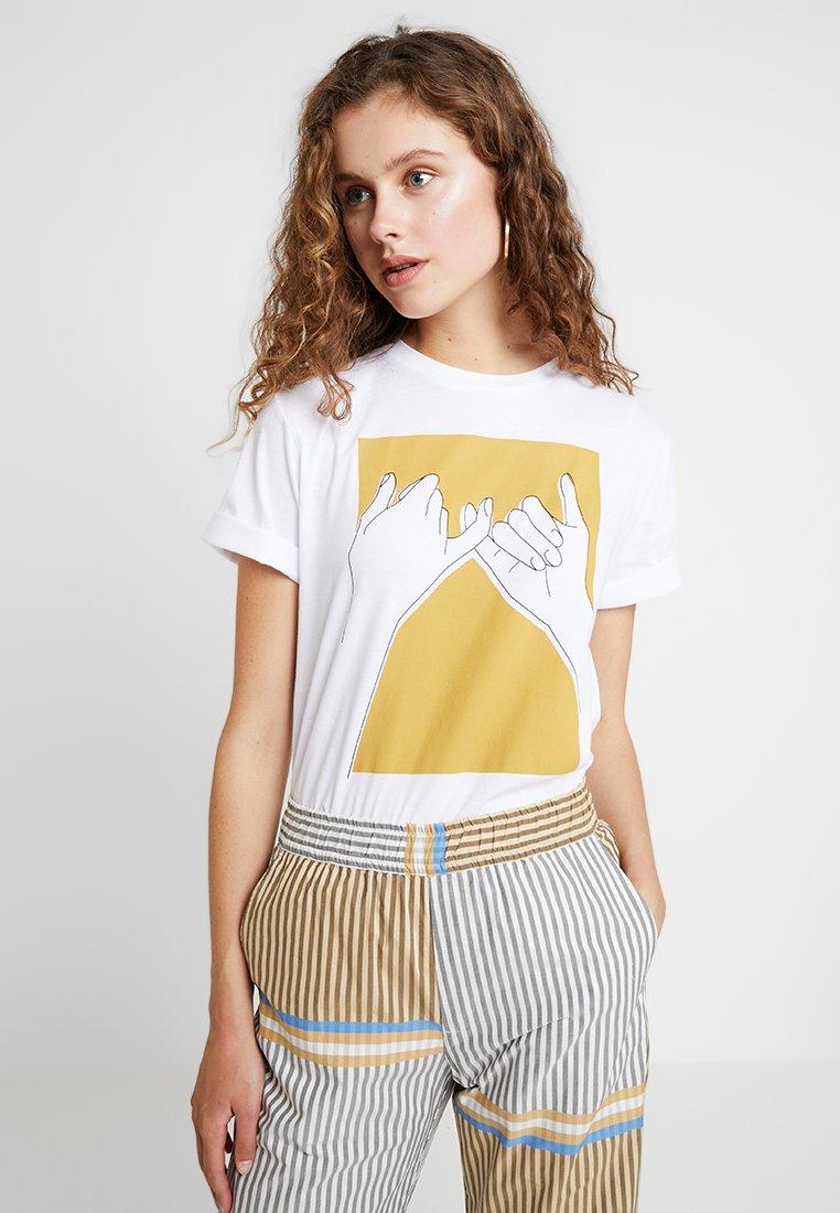 Gestuz - PINKY TEE - T-Shirt print - golden spice