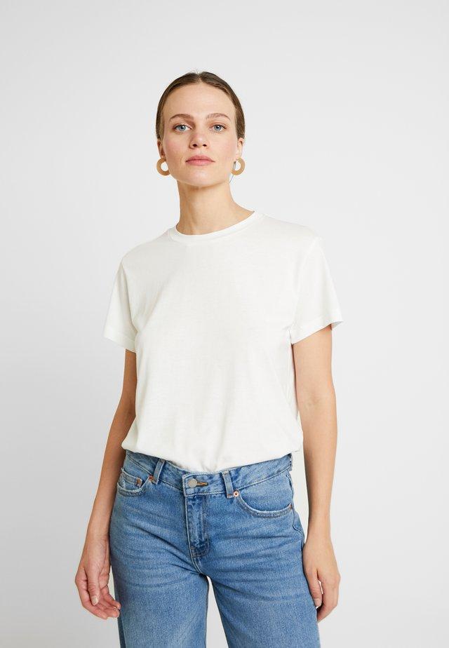 VALDIS TEE - Jednoduché triko - bright white