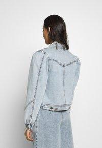 Gestuz - ATICAGZ JACKET - Denim jacket - light blue - 2