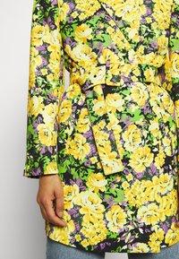 Gestuz - FLEUR - Short coat - yellow - 5