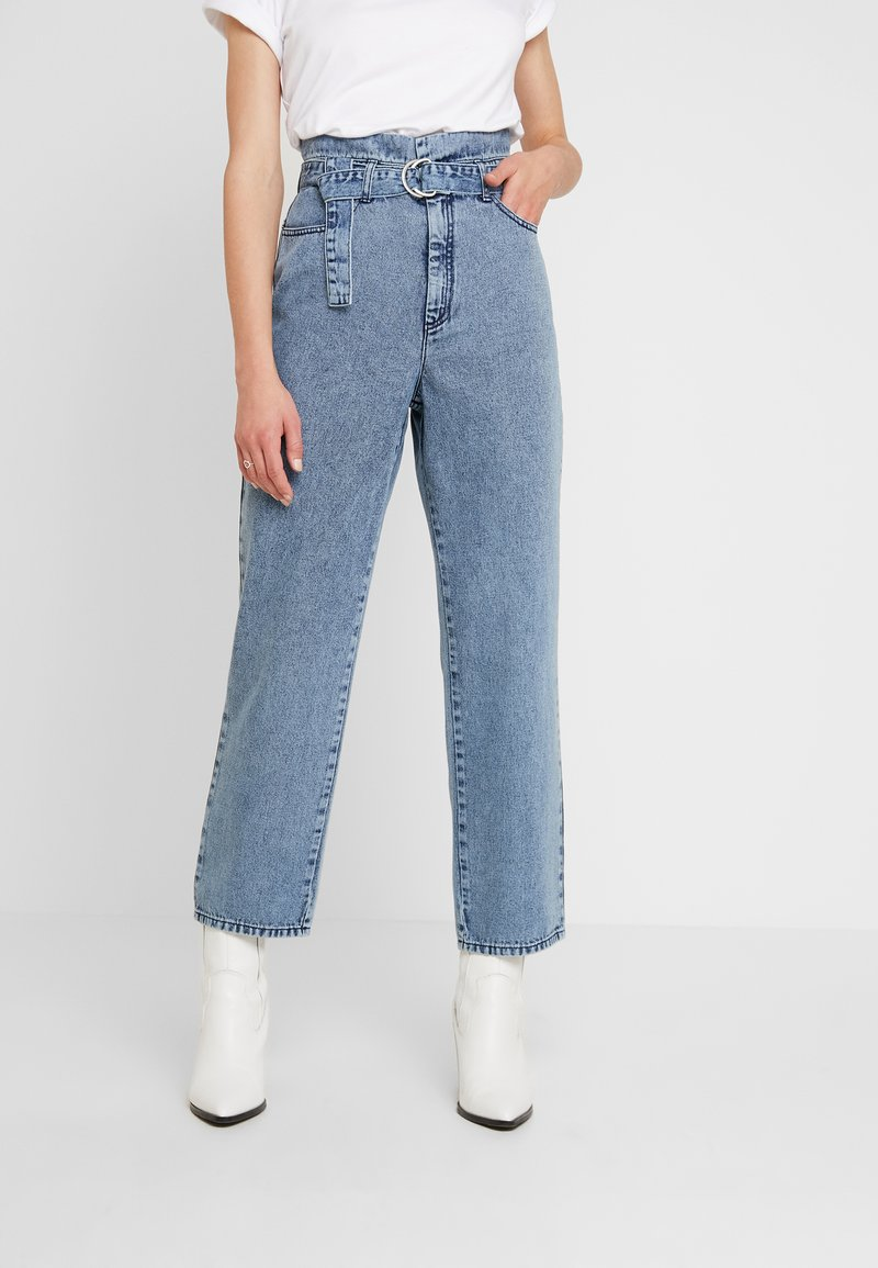 Gestuz - PIETTA - Straight leg jeans - light-blue denim