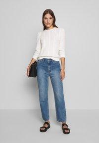 Gestuz - DACY MOM JEANS - Straight leg jeans - medium blue - 3