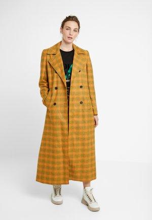 FRIA COAT - Classic coat - yellow/green