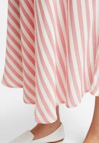 Gebe - SKIRT BREEZE - Maxi sukně - white/red - 4