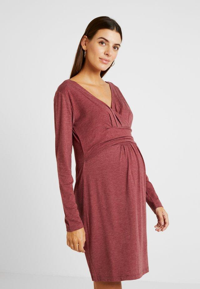 DRESS HANNA - Jerseykleid - claret melange