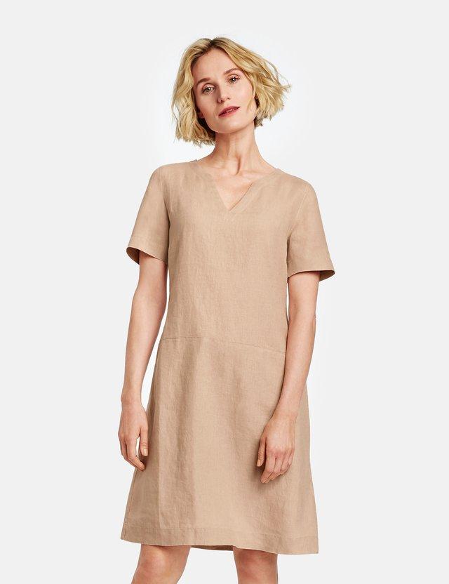 Korte jurk - desert