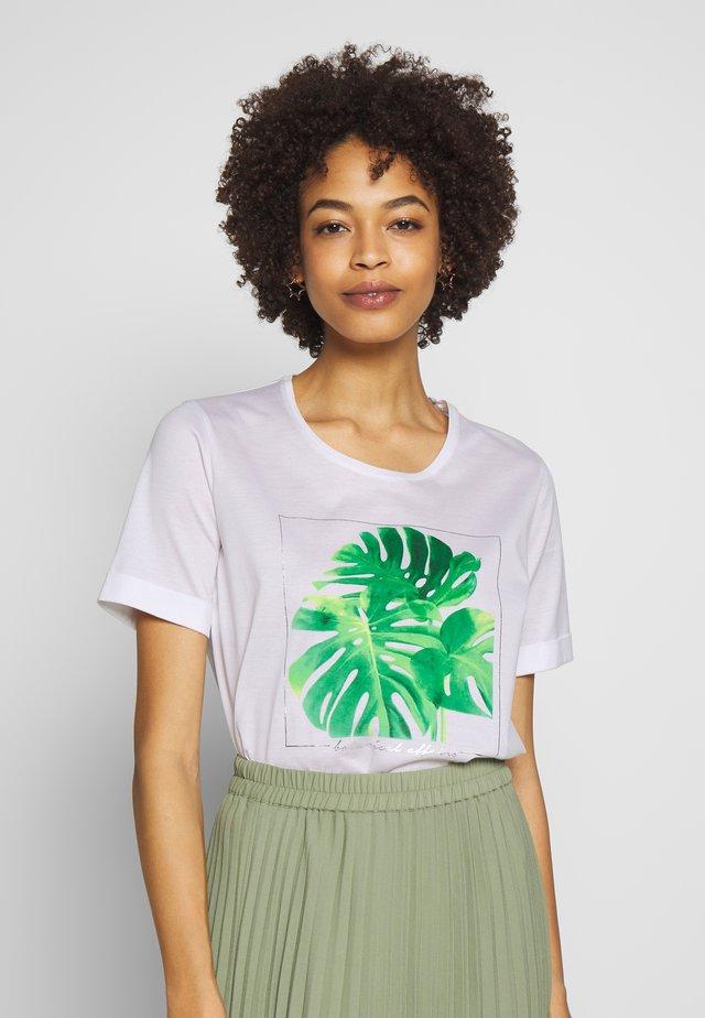 T-shirt z nadrukiem - weiß