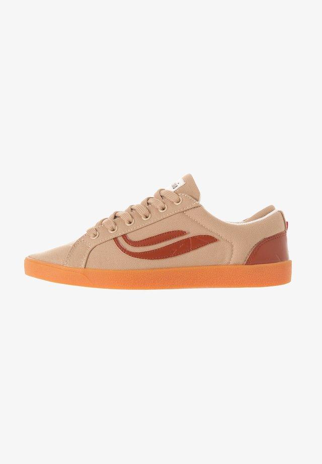 G-HELÀ R-PET - Sneakers laag - brown