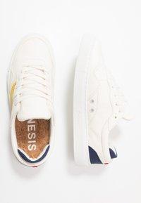 Genesis - SOLEY - Tenisky - white/yellow/navy - 1