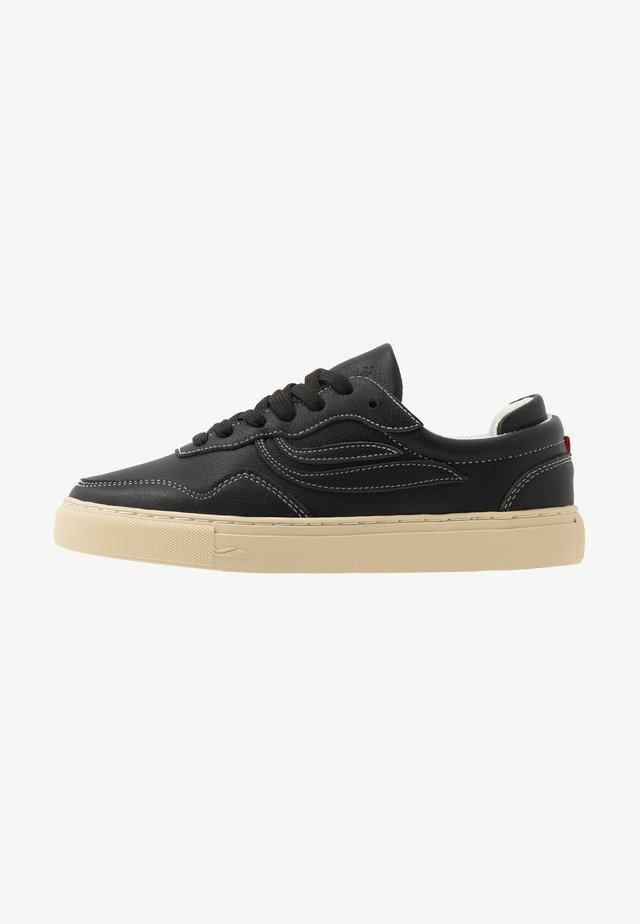 SOLEY TUMBLED - Sneakers laag - black