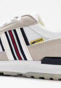 GAS Footwear - CARL SHINY  - Sneakers laag - white - 5