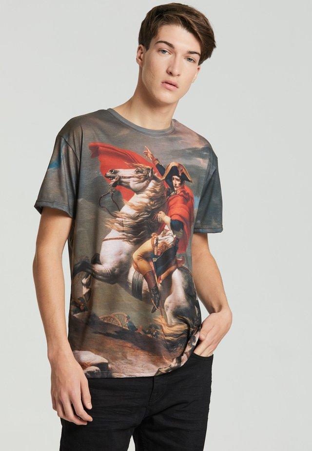 Print T-shirt - beige/red