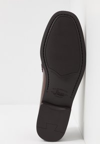 G. H. Bass & Co. - WEEJUN LARSON PENNY - Smart slip-ons - mid brown - 4