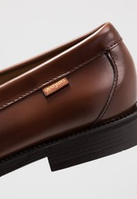 G. H. Bass & Co. - WEEJUN LARSON PENNY - Smart slip-ons - mid brown - 6