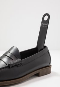 G. H. Bass & Co. - EASY WEEJUN LARSON PULL UP - Slip-ons - black - 5