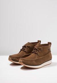 G. H. Bass & Co. - SCOUT RUNNER MID - Volnočasové šněrovací boty - mid brown - 2