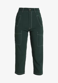 Ghospell - BIG APPLE CARGO TROUSERS - Bukser - green - 3