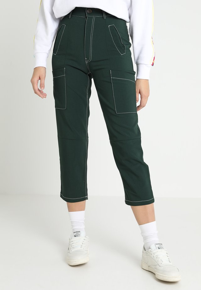 BIG APPLE CARGO TROUSERS - Trousers - green