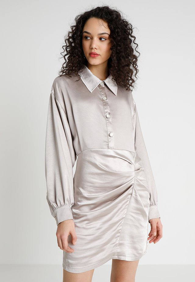 LOOK WEST DRESS - Sukienka koszulowa - silver