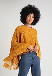 Ghospell - BIG POND BATWING - Blouse - yellow - 0