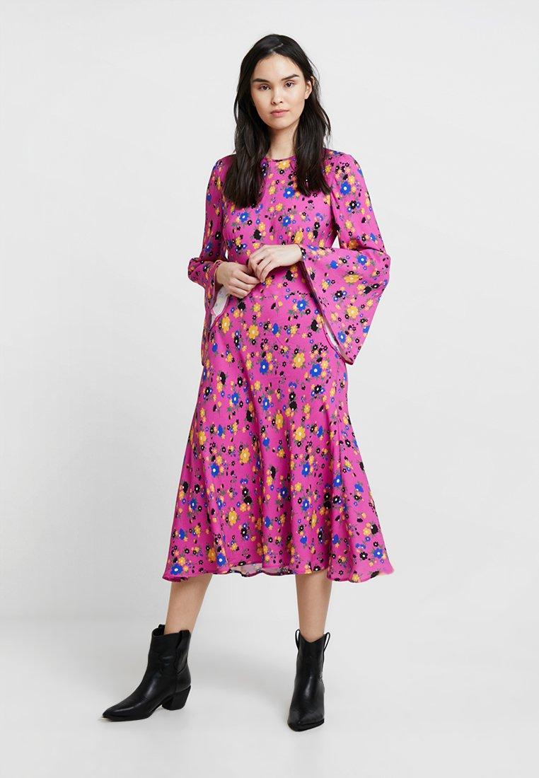 Ghost - SOPHIA DRESS FLORAL - Freizeitkleid - pink